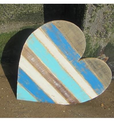 Inima din lemn reciclat